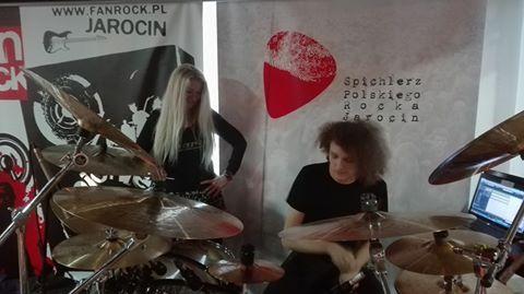Trwają warsztaty perkusyjne z p. Beatą Polak