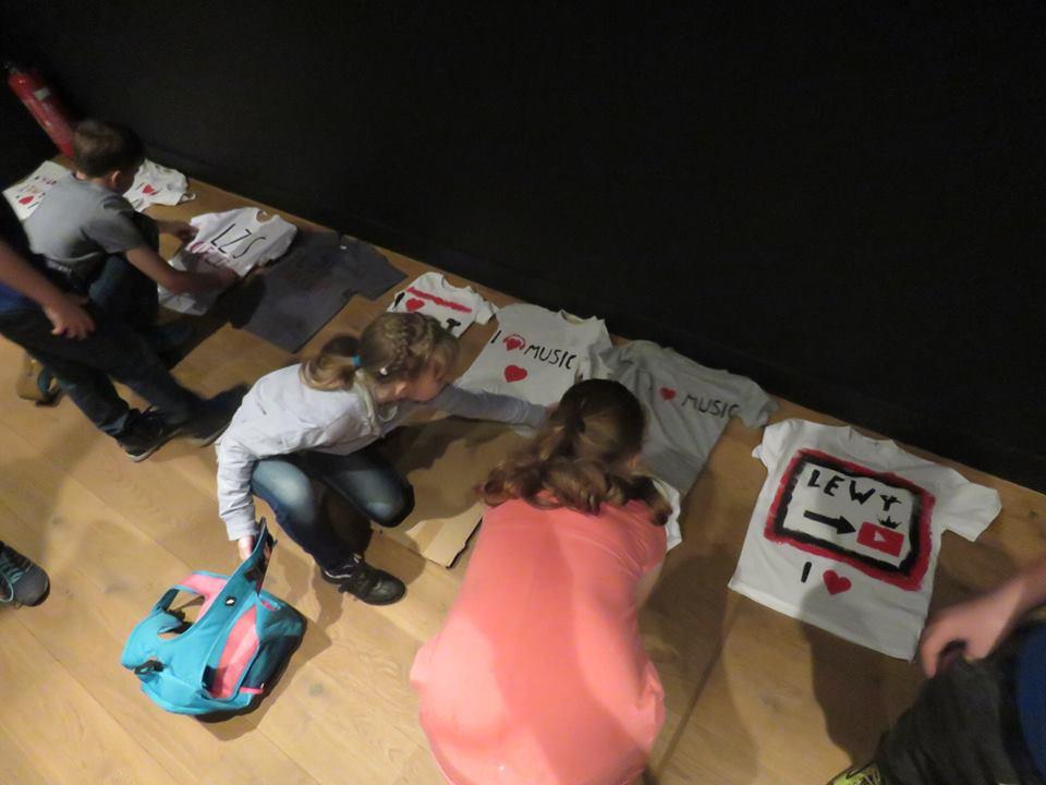 Art-Rockowe warsztaty z koszulkami + Spichlerzowy Questing Edukacyjny = przepis na niezapomnianą wizytę w muzeum :)
