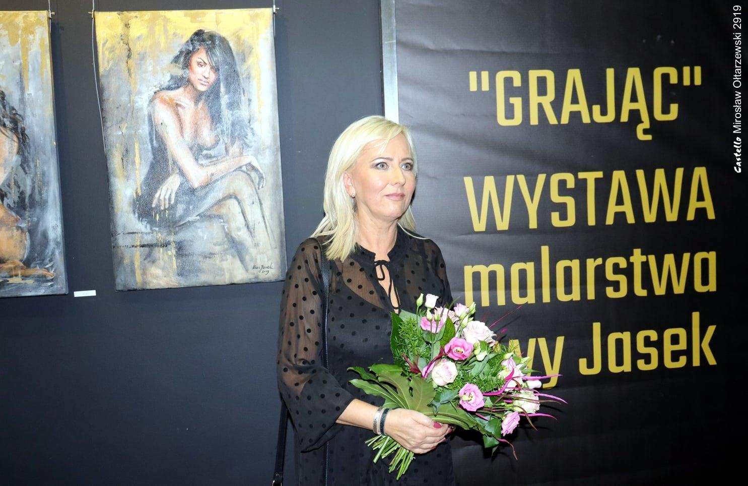 """Wernisaż wystawy malarstwa Ewy Jasek """"Grając"""" – fotorelacja"""