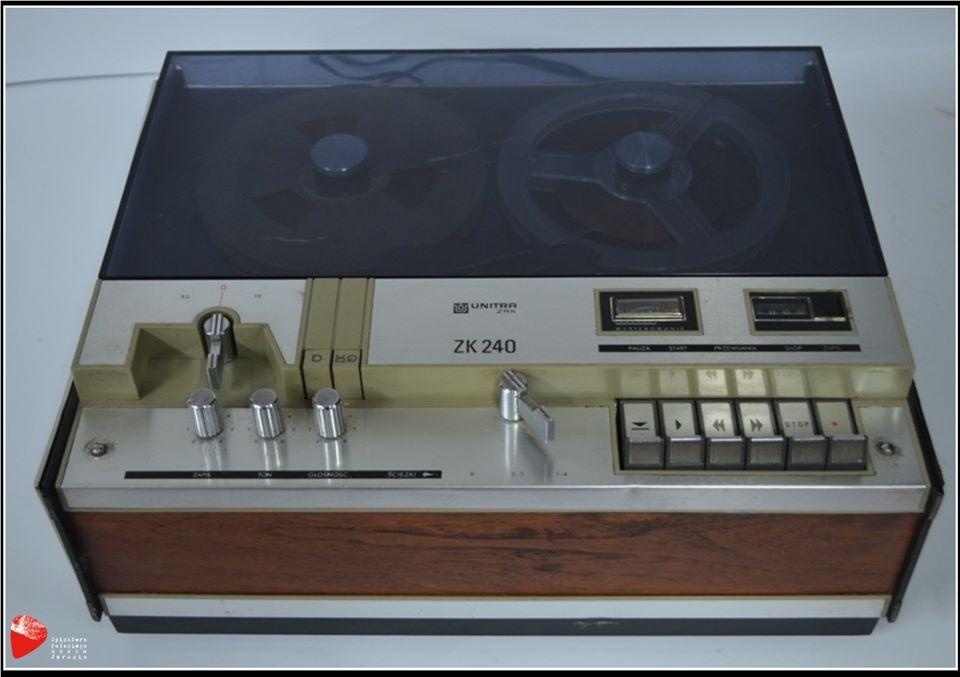 Magnetofon szpulowy ZK-240.