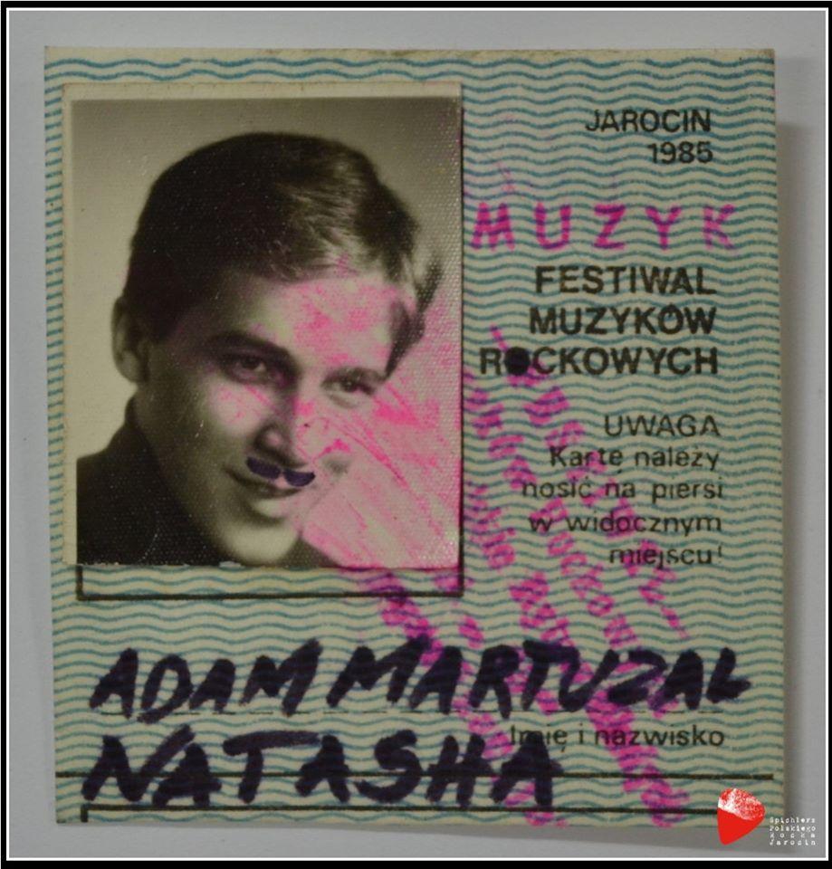 Identyfikatory festiwalowe Adama Martuzalskiego.