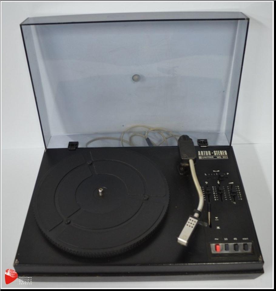 Gramofon Artur WG-903.