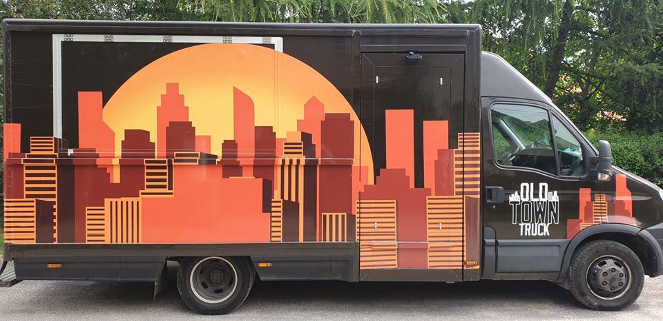 Kolejny weekend z food truckiem przy SPR. Kontrapunkt gości OLD TRUCK TOWN.